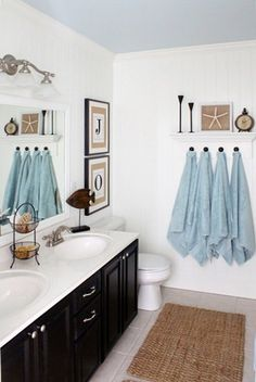blue and white seashell/ocean inspired bathroom