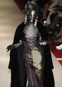 Omahyra Mota for Jean Paul Gaultier Haute Couture: Autumn/Winter 2002/03 † #mask #masked #female #femalemodel #hautegoth #couture #hautecouture #runway #catwalk #dark #identityhidden #facecovered #identityobscured #supermodel #Omahyra #OmahyraMota #JPG #JeanPaulGaultier #2002 #2003
