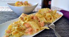 Homemade super creamy salmon pasta recipe, a delicious and easy Spanish pasta dish Food Recipes, Salmon Pasta, Spanish Food, Pasta Recipes, Pasta Dishes