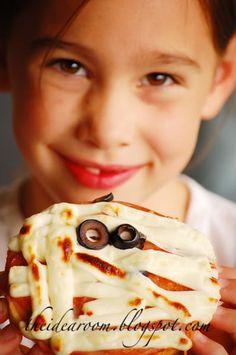 Halloween Mummy Pizza