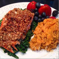 Whole30 Dinner Recipe Ideas- Pecan crusted salmon