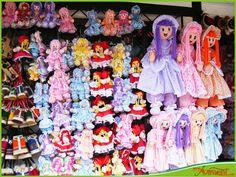 Las muñecas de trapo, mi hija y yo tenemos una cada una,es un icono importante en mi casa, cuando me da  la añoranza por mi pais..las veo...y a mi mente vienen recuerdos hermosos de mi niñez. venezuelami
