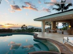Private single level living with panoramic ocean views