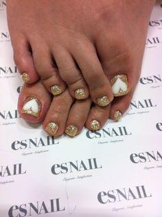 Gold Heart Toe Nail Art