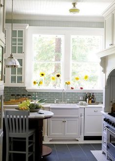 Pretty lil' kitchen