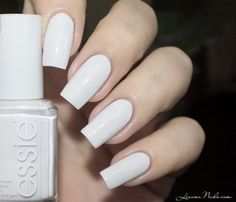 Essie - Blanc - #whitenails #Nailpolish #Nails #purewhite #essie #blanc #lizananails - bellashoot.com
