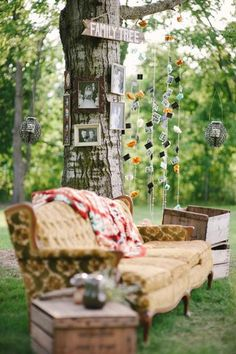 Great idea with family photos in an outdoor wedding.