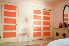 Girl's room vanity