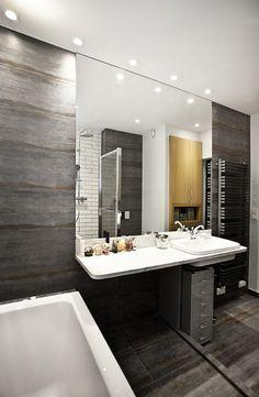 Banheiro em Tons Acinzentados