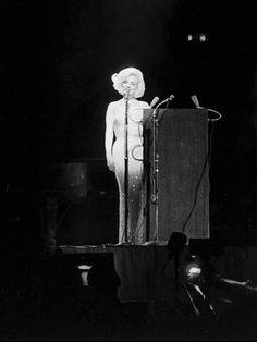 Marilyn Monroe singing happy birthday to President Kennedy in 1962