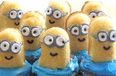 Easy Despicable Me Minion Cupcakes. I wish we could still buy twinkies so Cadence could make these to enter in the Lane County Fair cupcake contest