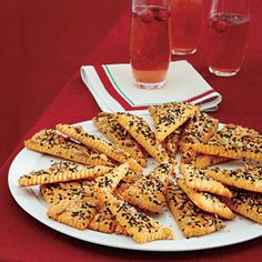 holiday parties, chees straw, cheddar triangl, triangl recip, the holiday, holiday party foods