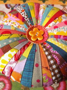 Clutterbliss: pincushion