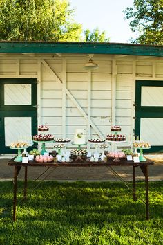 Treats by Sweet + Saucy | Event Planning/Design by In The Now Weddings + Events | Photography by Shannen Norman | At Brookside Equestrian Center