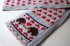 Hedgehog Love Scarf by KnittedBliss.  Free pattern on Ravelry.