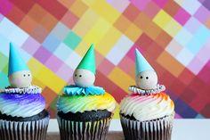 how to make a clown cupcake topper.JPG