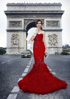 Red dress in Paris. (via ZsaZsa Bellagio)