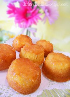 Pineapple Upside Down Cupcakes  must try!