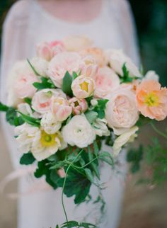 Pink bouquet: http://www.stylemepretty.com/2014/04/10/temecula-garden-wedding-inspiration/ | Photography: Carmen Santorelli - http://carmensantorellistudio.com/