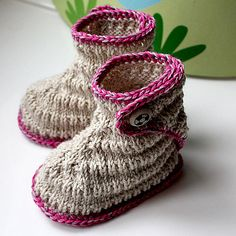 Cuteness! knitted booties.