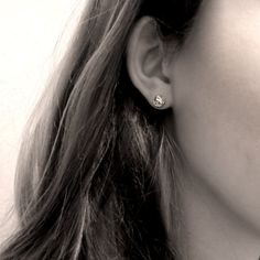 Negative/Positive stud earrings, sterling silver www.fairinachengjewellery.com #3dprinting #3dmodelling #studearrings #studs #earrings #contemporaryjewellery #contemporaryjewelry #sydneydesigner #madeinaustralia