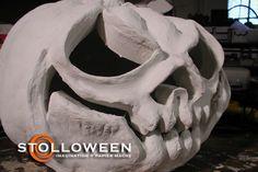 great tutorial for paper mache pumpkin.