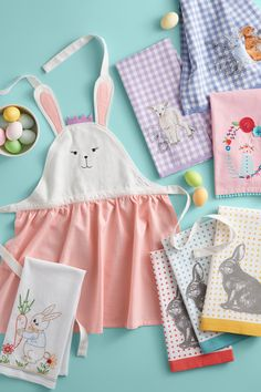 Bunnies, brunch, baking and beyond! Cost Plus World Market has everything you need for an egg-citing, fun and affordable Easter, so hop to it. Buy online, pick up FREE in store! #WorldMarket #Easter