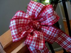 {how to tie a fancy bow}---for packages and christmas decor!  SO simple!!!