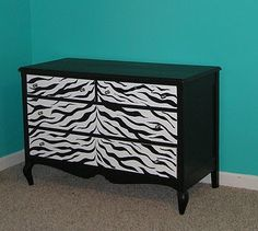 Zebra striped dresser decor, painted furniture, zebra furnitur, old dressers, furniture redo, redoing furniture, zebra stripe, wooden furniture, black furniture