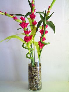 what a fabulous look! bamboo and gladiolas!