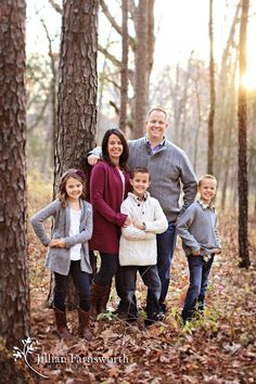 Great Family pose for 5. Would work well w older kids / teens too. Like how they are placed with the tree.