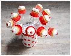 holiday cupcak, cupcak flowerpot