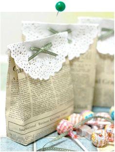 En casa de Tía Gretel: DIY - Bolsas de regalo con papel de periódico