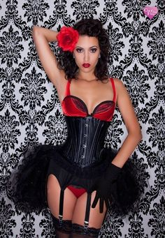 Shot of retro pinup model/ burlesque performer Felicia Fatale ruben23rivera - love this outfit!