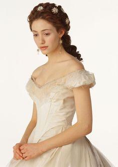 wedding dressses, hair flowers, halloween costumes, dream, emmi rossum, wedding hairs, opera, phantom, crystal