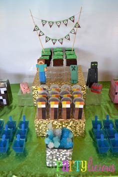 Minecraft party!! themed birthday parties, minecraft birthday, kid birthdays, 8th birthday, minecraft parti, mini cakes, kid birthday parties, parti idea, birthday foods