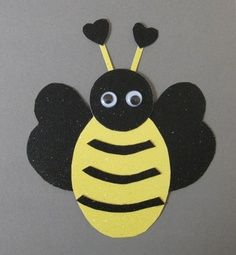 Busy Bee Classroom Theme | BUMBLE BEE BULLETIN BOARD CRAFTS