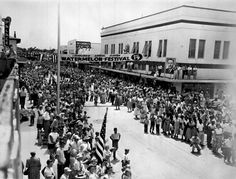 Florida Memory - Crowds on Main Street for the annual Leesburg Watermelon Festival - Leesburg, Florida