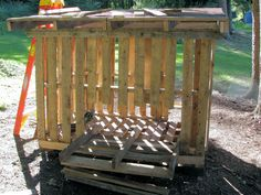 cheap chicken coop out of pallets