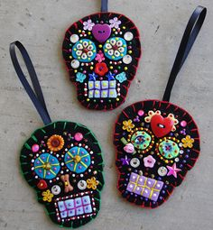 Hive Arts & Crafts: Sugar Skull Ornaments