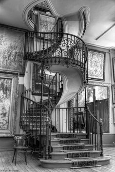 have (or at least photograph) an epic spiral staircase