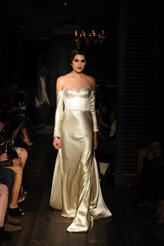 """""""Starlet"""" Johanna Johnson's 2015 Bridal Collection Full of Old Hollywood Glamour"""