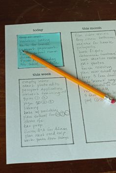 Post-it Note To Do List System - keep track of what you need to do this month, this week, and today with this simple to do list system.  (Oh my word - LOVE THIS!)