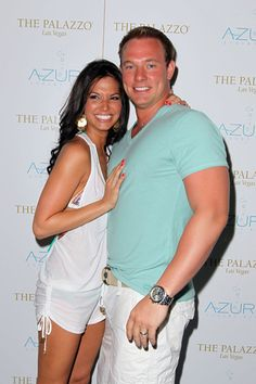 New mom Melissa Rycroft shows off fab body in Vegas