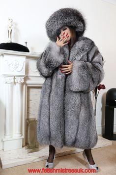 Swathed Head to Feet In My Silver Fox Fur's. www.fetishmistressuk.com YouTube... http://www.youtube.com/watch?v=epAOqTV-woQ fur cite, fox fur, silver foxes, fav fur, fur fetish, fur desir