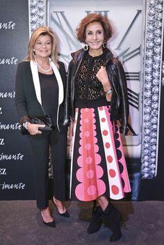 Cari Lapique y Naty Abascal posando en el photocall de Imante, Suárez.