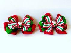 Cute Santa Bows Tutorial from The Ribbon Retreat