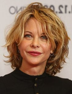 Over 40 Hairstyles with Bangs | Short Layered Hairstyles for Women Over 40 Shorts Curly Hairstyles, Layered Hairstyles, Hair Bobs, Hair Beauty, Hair Shorts, Meg Ryan, Hair Style, Wigs, Shorts Hairstyles