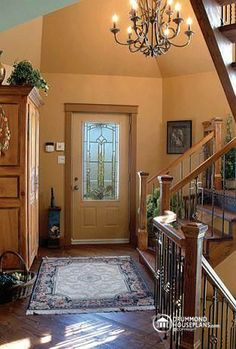 #Foyer #Entrance of a beautiful #traditional house plan from DrummondHousePlans. See more pictures of this house by clicking on this link : http://www.drummondhouseplans.com/house-plan-detail/info/1001818.html #home #decor