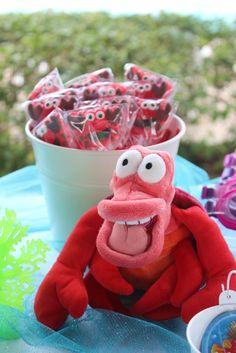 Cute treats at a Mermaid Party #mermaid #partytreats